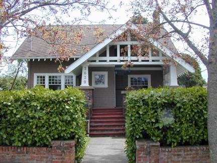 Arts crafts houses part i construction and design for Craftsman style gables